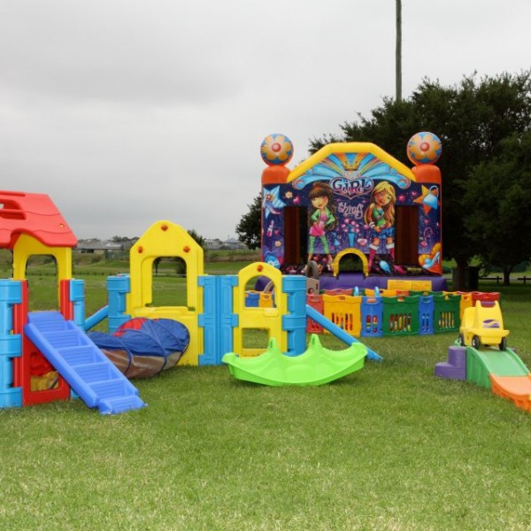 Medium Ballpit, Jumping Castle & Toddler Pack Combo